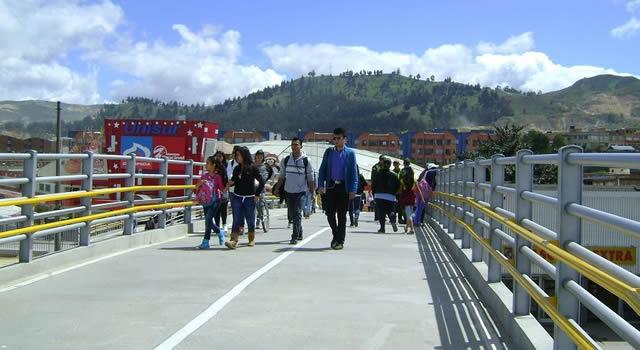 Muere hombre al lanzarse desde  puente del sector San Mateo en Soacha