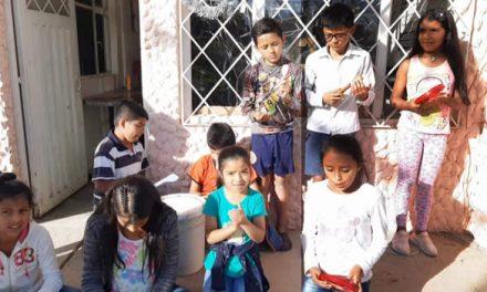 Con villancicos, los más pequeños unen a la comunidad en barrio de Soacha