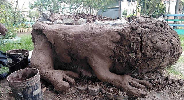 Con barro y manos creativas, Soacha rinde homenaje a la fauna