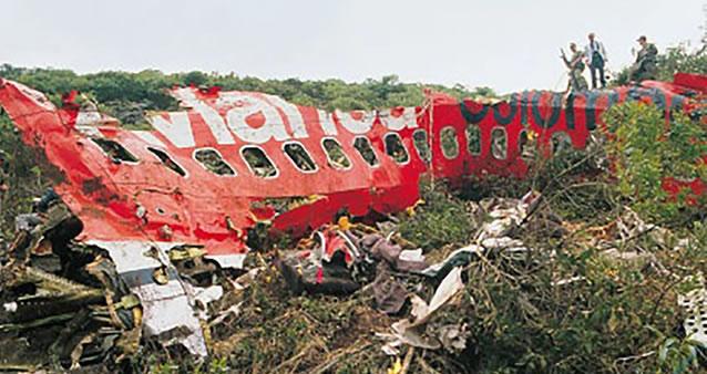 Con siembra de árboles  y oraciones, familias recordaron a víctimas del vuelo 203 de Avianca que cayó en Soacha