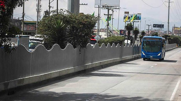 En Soacha se construyen más de 3.000 metros de barreras anticolados