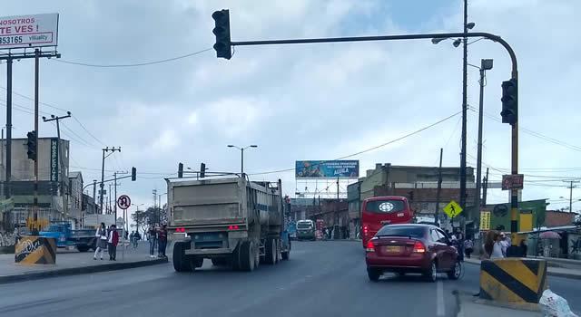 Semáforo del Altico Soacha  vuelve a quedar fuera de servicio