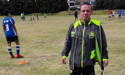 Un soachuno es el director técnico de la selección Cundinamarca infantil de fútbol