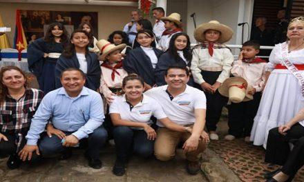 """Gobernador Nicolás García, conmemoró los 224 años del natalicio de """"La Pola"""""""
