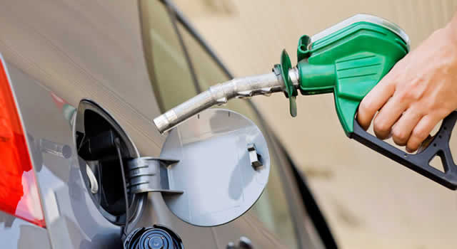 Precio de la gasolina se mantendrá estable en enero pero el diésel subirá $185