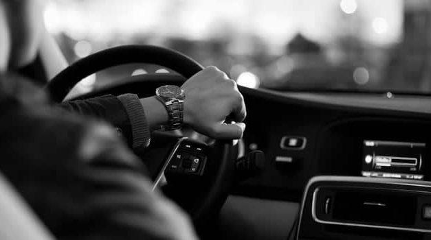 Suspenden por seis meses a 13 escuelas automovilísticas por alterar certificaciones