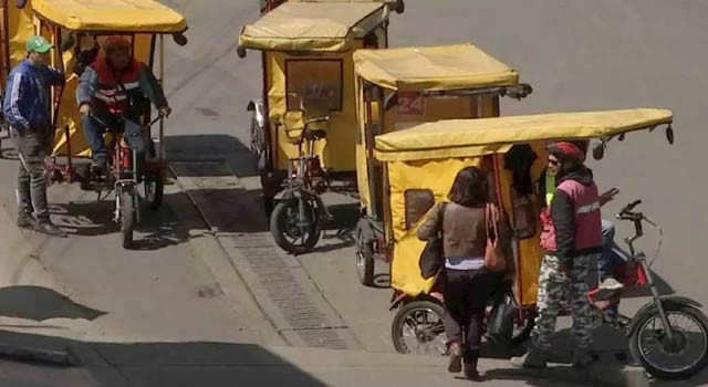 Malestar de los taxistas de Soacha por falta de control a bicitaxis