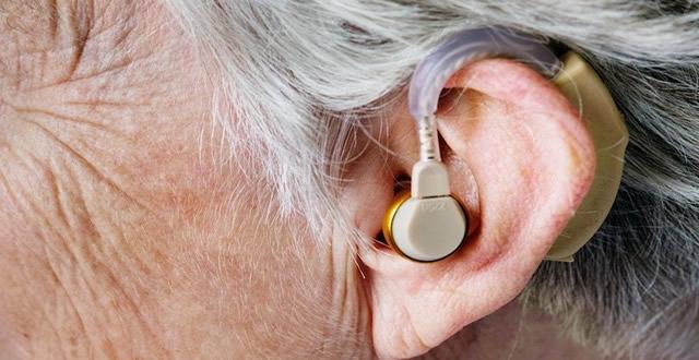 En Soacha se  realizó  jornada de mantenimiento de audífonos