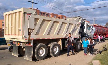 En Soacha se inmovilizan cerca de 15 vehículos de carga al día