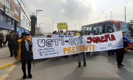 Mesas de diálogo exigen vendedores ambulantes de Soacha  para regular ventas en la calle