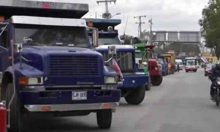 Avanza protesta de camioneros en Bogotá