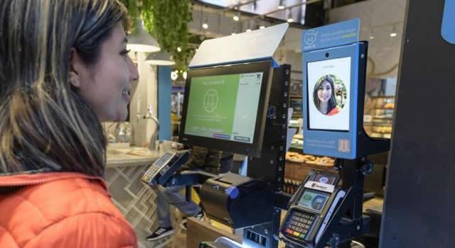 Colombia implementa pago con reconocimiento facial