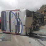 15 heridos tras volcamiento de bus en la vía Bogotá- Tunja
