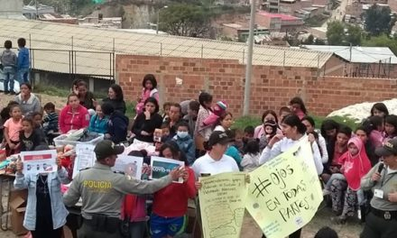 A Rincón del Lago Policía de Soacha lleva mensaje contra la explotación sexual