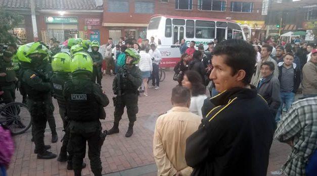 Operativos contra vendedores origina enfrentamientos en el parque de Soacha