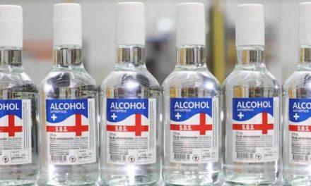 40 mil botellas diarias de alcohol antiséptico empezó a producir  Licores de Cundinamarca