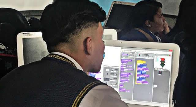 Estudiantes de colegios públicos de Soacha podrán postularse para aprender programación