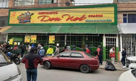 Continúan las filas en los supermercados de Soacha