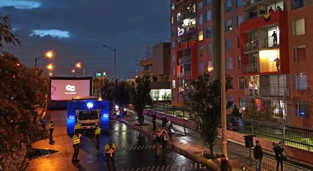 Ruta 90, el cine desde los balcones, proyecta llegar a Soacha