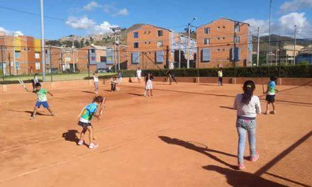 En Soacha el tenis es asequible para todos