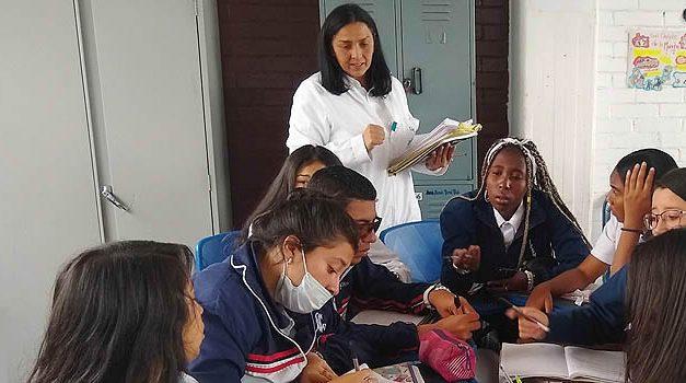 Docentes de Cundinamarca aún pueden participar en la convocatoria 'La investigación en la escuela y el maestro investigador de Colombia'