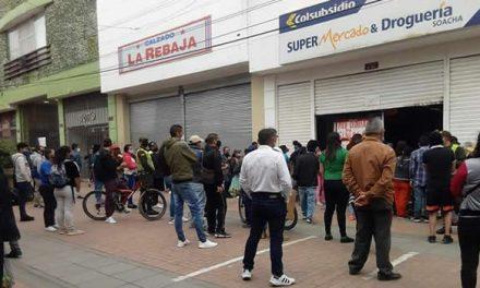 Denuncian desorden e irregularidades en la entrega de mercados de Colsubsidio en Soacha