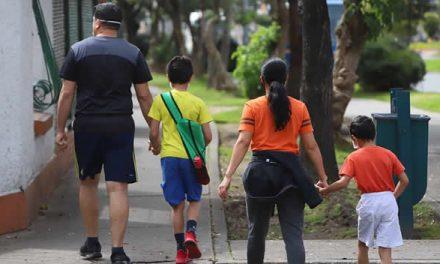Niños a la calle en Bogotá, pero con estrictas medidas de bioseguridad