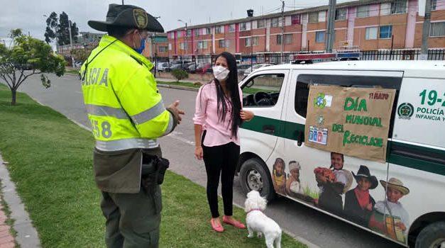 Policía Soacha se une al Día Mundial del Reciclaje