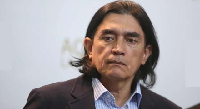 Tribunal ordena a Gustavo Bolívar rectificarse de señalamientos contra Uribe