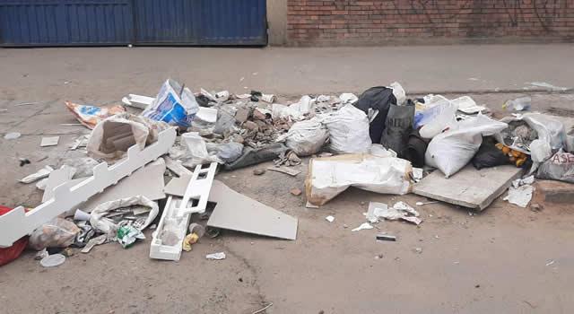 Desechos y basura en calles de Soacha evidencia  falta de cultura de los residentes