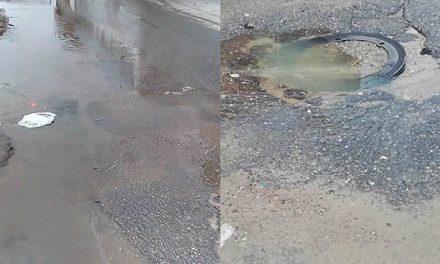 En medio de la pandemia, aguas residuales inundan calle en barrio de Soacha