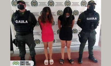 Capturan en flagrancia a dos mujeres extorsionistas en Cundinamarca