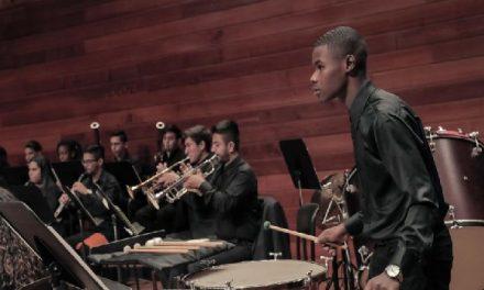 «Donar es una nota» la campaña que busca flautas para estudiantes