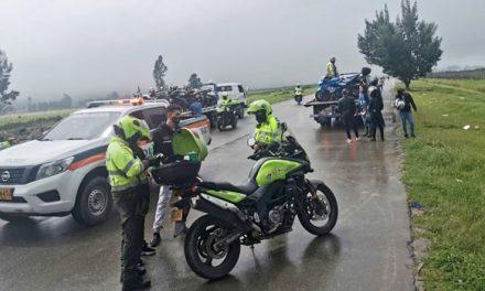 """Inmovilizan motos y vehículos por """"piques ilegales"""" en Soacha"""