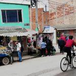 En cuarentena, vendedores informales permanecen en las calles de Soacha