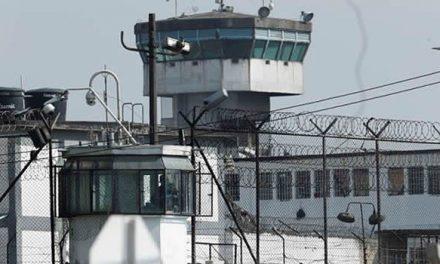 Inicia traslado a la Cárcel Distrital de reclusos hacinados en estaciones y URI
