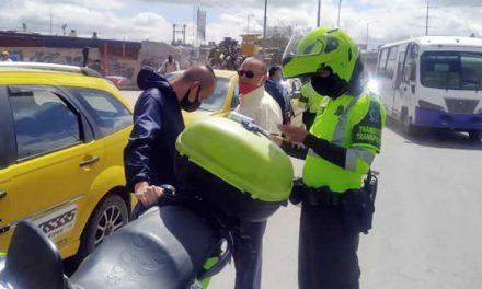 """Sanciones a indisciplinados por hacer trancón sobre la """"Paralela"""" de Soacha"""