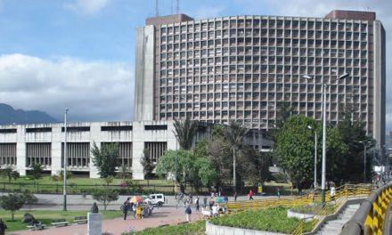 Los tres impuestos que propone Claudia López para la capital y el país