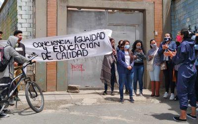 Plantón en la Uniminuto Soacha para exigir descuentos en matrícula y devolución de dinero