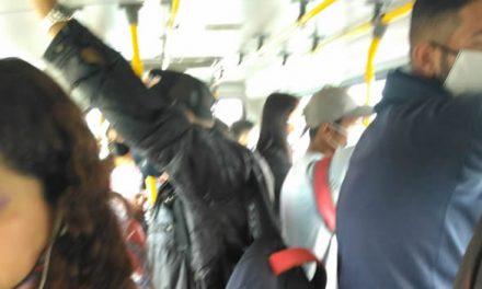 Ni en pandemia cesan las aglomeraciones  dentro del transporte público Soacha-Bogotá
