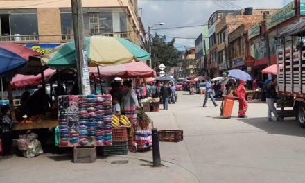 En época de pandemia, vendedores informales retoman la calle quince de Soacha
