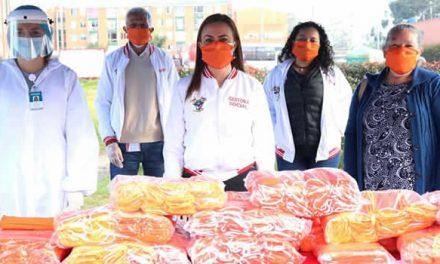 En Soacha entregan tapabocas hechos por mujeres víctimas de la violencia
