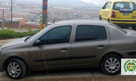 Policía recupera vehículo y captura  dos personas en Soacha