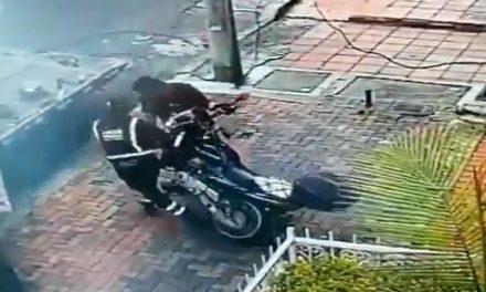 Despidieron a los dos operadores de grúa que se llevaron moto en Chapinero
