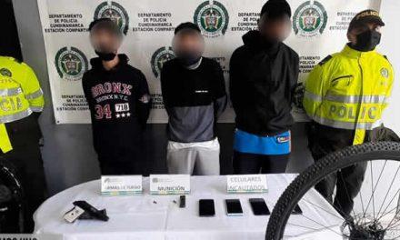 En  Llanos Soacha capturan a extranjeros que habían hurtado bicicletas y celulares  en vía Indumil