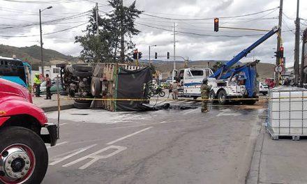 Accidente de tránsito en autopista Sur originó enorme trancón en Soacha