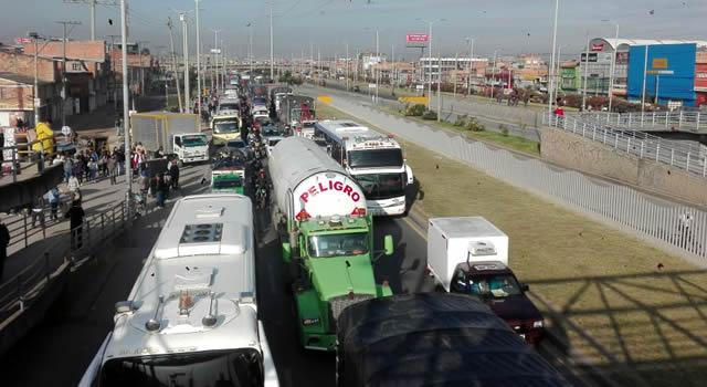 En Soacha se restringe movilidad a vehículos de carga sobre la autopista Sur