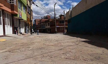 Vías en mal estado por más de dos décadas en barrio céntrico de Soacha