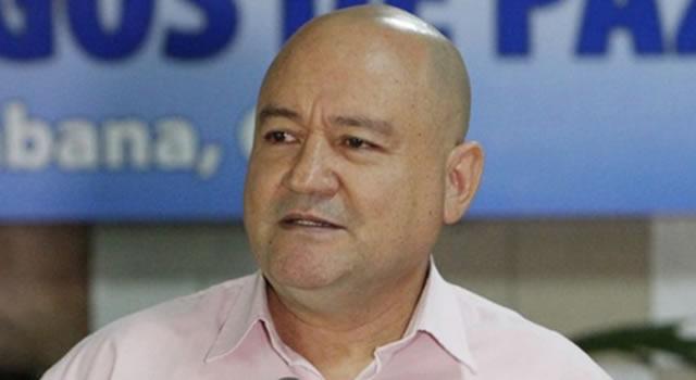 Senador Lozada pidió perdón a las víctimas de las FARC