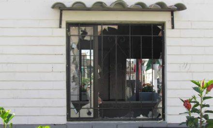A juicio disciplinario tres policías por incendio del CAI San Mateo en Soacha